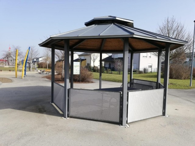 The Directorate of Public Works is replacing the old wooden panels on gazebos with new metal wall panels as part of their area beautification projects.