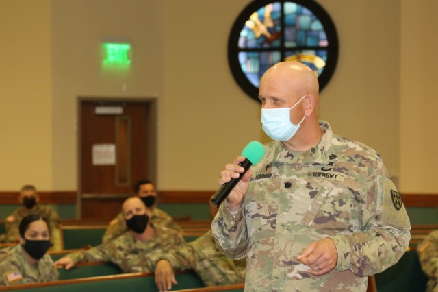 32d AAMDC Chaplain (Lt. Col.) Ken Harris briefs chaplains and religious affairs specialists across the division here at Fort Bliss, Texas during the command's week long unit ministry team (UMT) training.