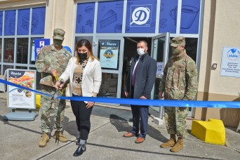 Garrison welcomes new MWR eatery to Wiesbaden community