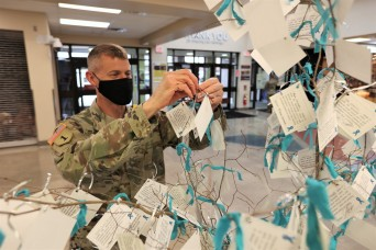 'I Pledge' Campaign kicks off at Fort Knox Main Post Exchange