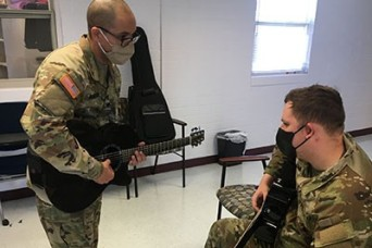 Soldiers rekindle love of music through recreational therapy