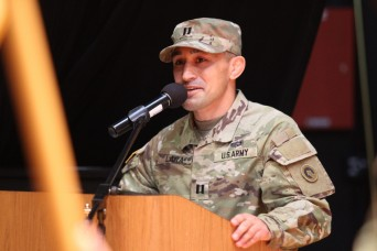New leader takes command of Headquarters and Headquarters Company, Special Troops Battalion, 1st Theater Sustainment Command