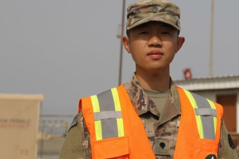 1st TSC supports dedicated Soldier's US citizenship quest
