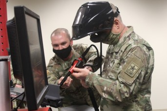 CSA tours Fort Lee, provides advice to young leaders