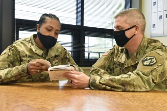 Fort Leonard Wood chaplain, platoon leader develop IET hold playbook