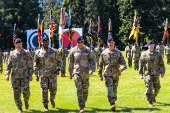 Bayonet division welcomes new command team
