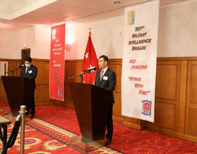Maj. Gen. Jang speaks during intel reception