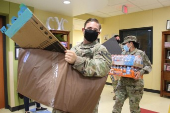 Fort Hood youth donate to deployed troops