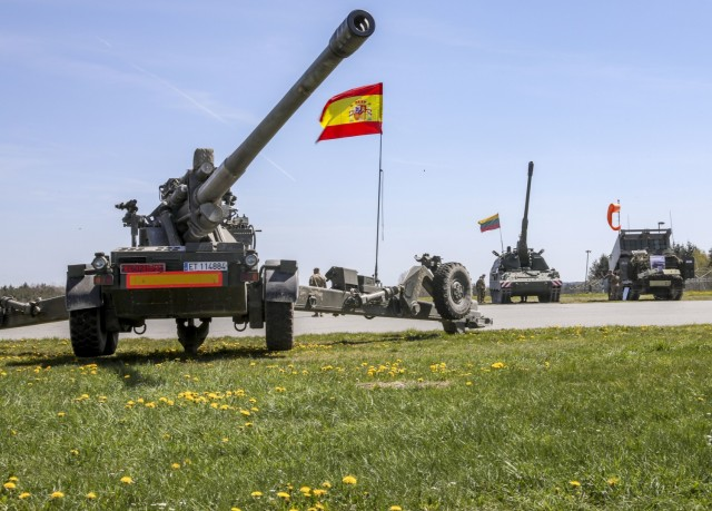 The Spanish Land Forces' Integrated Field Artillery System, the Lithuanian Armed Forces' Panzerhaubitze 2000, and Her Majesty's Armed Forces' M270 Multiple Launch Rocket System, are on display as part of the Dynamic Front 21 Academics Day, at Vilseck Army Air Field, Germany, May, 09, 2021. Dynamic Front 21 includes approximately 1,800 participants from 15 nations, May 3-21, 2021 at the U.S. Army's Grafenwoehr Training Area, Germany and Torun, Poland. DF21 is a 7th Army Training Command-led, U.S. Army Europe and Africa-directed exercise designed to increase readiness, lethality and interoperability by exercising allied and partner nations' ability to integrate joint fires in a multinational environment at both the operation and tactical levels.