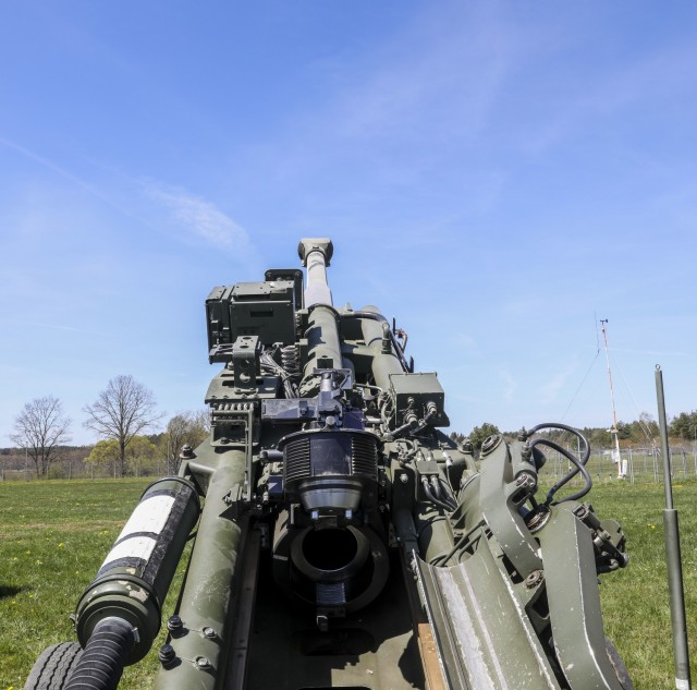 The 2nd Cavalry Regiment displays their 155mm lightweight towed Howitzer as part of the Dynamic Front 21 Academics Day, Vilseck Army Air Field, Germany, May, 09, 2021. Dynamic Front 21 includes approximately 1,800 participants from 15 nations, May 3-21, 2021 at the U.S. Army's Grafenwoehr Training Area, Germany and Torun, Poland. DF21 is a 7th Army Training Command-led, U.S. Army Europe and Africa-directed exercise designed to increase readiness, lethality and interoperability by exercising allied and partner nations' ability to integrate joint fires in a multinational environment at both the operation and tactical levels.