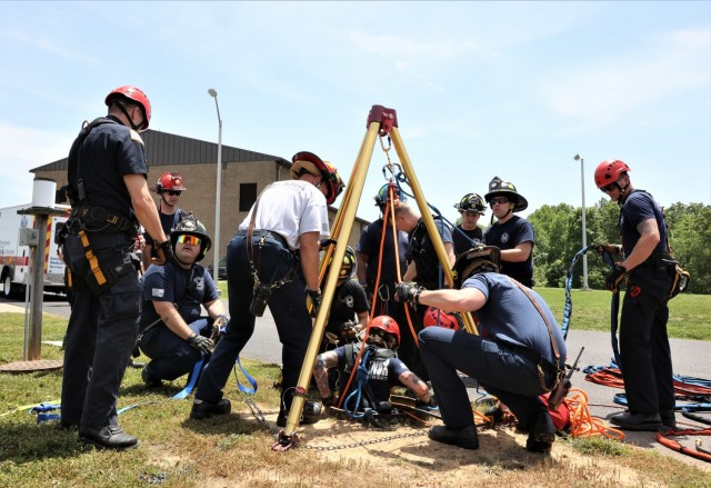 The Fort Knox Directorate of Emergency Services partners with Hardin County Water District No. 1 in simulated confined space rescue training May 21, 2021.