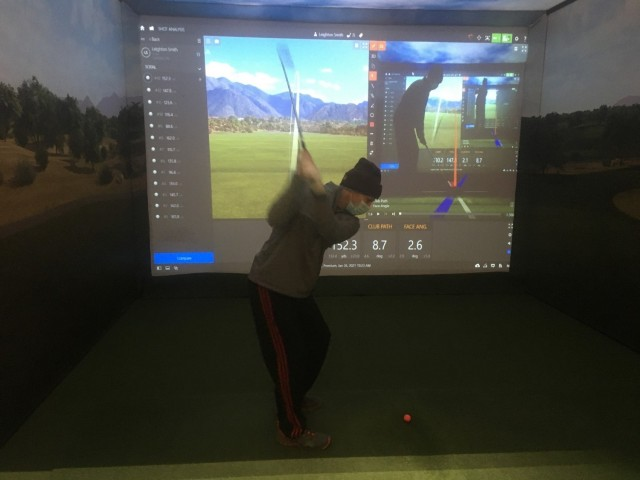 Maj. Scott Robison, a Soldier assigned to the Fort Carson Soldier Recovery Unit, Colo., participated in an indoor golf program that the SRU holds in Colorado Springs during the winter months. (Photo courtesy of Marc Cattapan)
