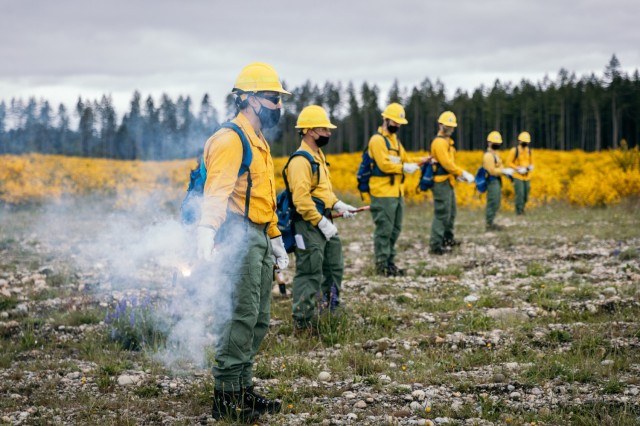 Soldiers from the Washington National Guard take part in wildland firefighter training with the Washington Department of Natural Resources at Joint Base Lewis-McChord May 25, 2021. The Washington National Guard has partnered with the DNR since 2013 to conduct annual wildland firefighter training. (U.S. National Guard photo by Peter Chang)