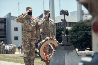 NYNG remembers sacrifice in Memorial Day ceremony