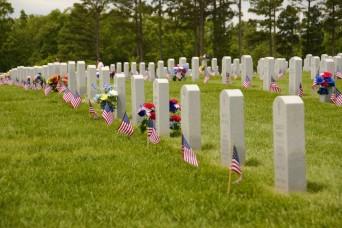Fort Leonard Wood service members honor fallen heroes at Memorial Day events across Missouri