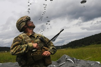 Agreement brings Soldiers, academia together to solve military challenges