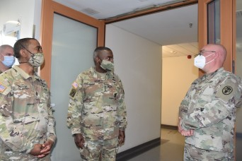 The Army Surgeon General visits Wiesbaden Health Clinic