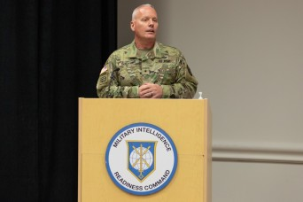 Military Intelligence Readiness Command Welcomes New Leader