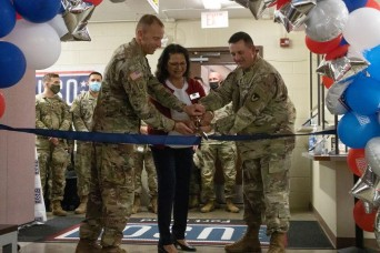 USO reopens center servicing mobilizing, demobilizing troops