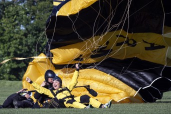 Golden Knight, TV show host skydive above Army museum to honor former president