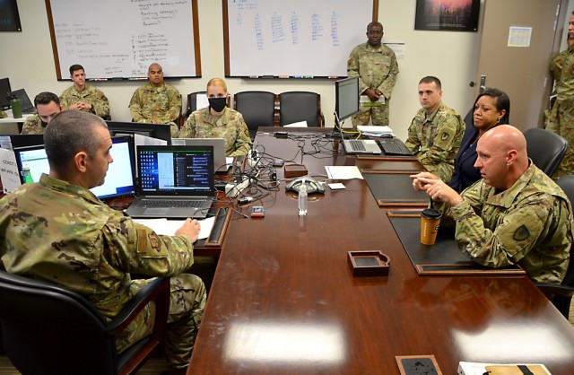 Soldiers, Airmen building contracting relationships for future operations