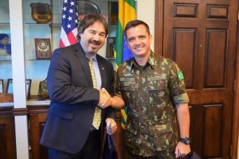 Brazilian army deputy chief visits USASAC Headquarters