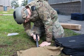 U.S. Army hosts Explosive Ordnance Disposal technician hiring days around nation