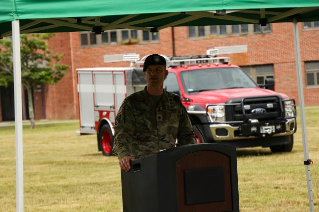Garrison Commander Lieutenant Colonel Trent Colestock speaks at the Change of Command and Change of Responsibility ceremony