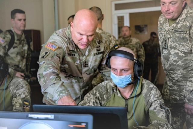 LANDCOM Commander, Lt. Gen. Cloutier, and Acting Deputy for the Ukrainian Land Forces, Major General Oleksandr Holodniuk, visit IPSC
