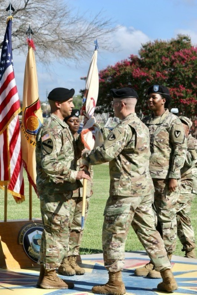901st CBN Soldiers welcome new commander