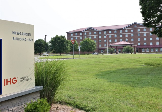 The Fort Knox Housing Division offers incoming Soldiers and Families different options for temporary lodging while waiting for a new home, to include a reduced rate while staying at on-post hotels.