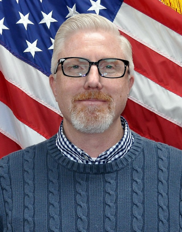 Shawn Hardiek, chief of plans and operations at the U.S. Army Medical Materiel Center-Korea, is the civilian winner of the FY20 Capt. John R. Teal Leadership Award.