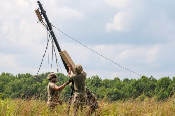 Soldiers test new Army system to increase command post mobility