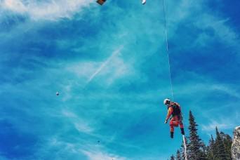 MAMC residents, USU alumni save hiker suffering cardiac emergency at 4,000 feet