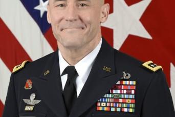 Army 3-star general leaves behind legacy of transformation, mentorship