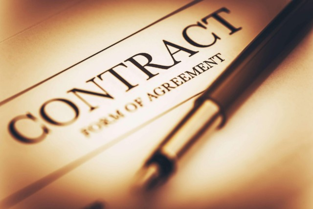 A rigorous validation of contracting requirements