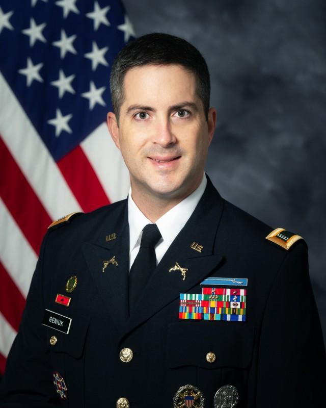 Chief Warrant Officer 4 Steven Geniuk, Fort Leonard Wood, Missouri, was named TRADOC 2021 Warrant Officer of the Year.
