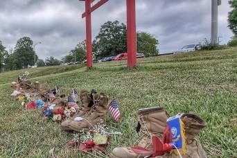 Fort Leonard Wood Marines, their families honor fallen service members