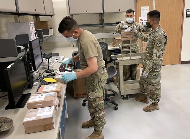 Receiving blood units