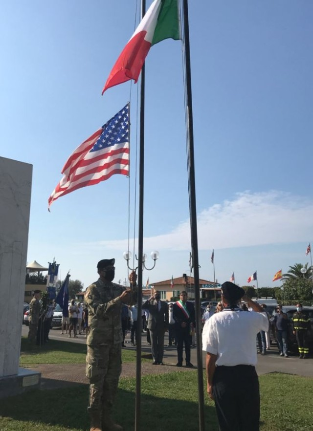 Personnel from Camp Darby took part in a ceremony in Pietrasanta.