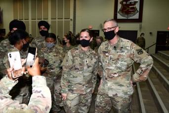 U.S. Army CAC Commander visits MEDCoE