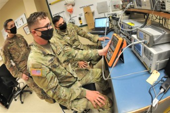 Soldiers learn diagnostic skills at lengthy Ordnance School course