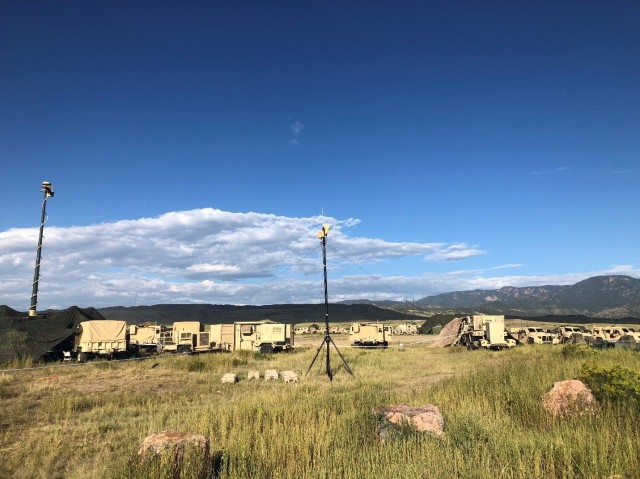 4ID Soldiers test new electronic warfare, spectrum management battlefield software tool