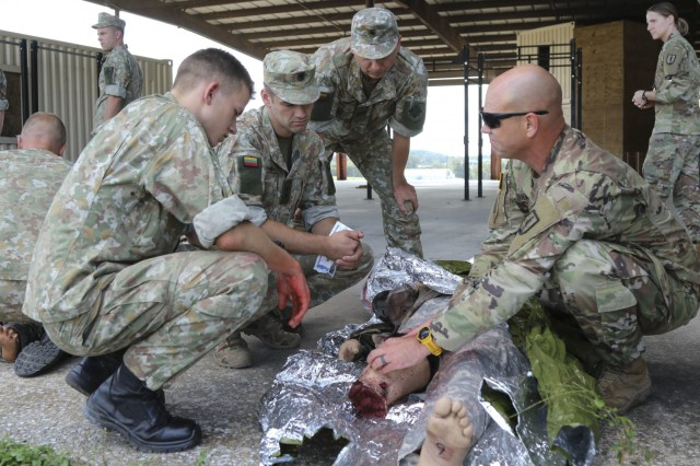 Pa. Guard, Lithuanians train together in platoon exchange