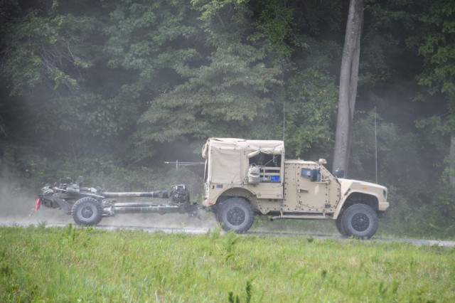 101st Airborne Field Artillery Soldiers test JLTV to carry ammo, tow Howitzers
