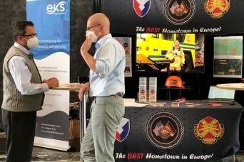 """Premiere: USAG Ansbach participates in job fair """"All paths to your new career"""""""