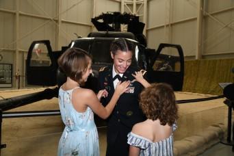 Female drill sergeant earns Aviator wings