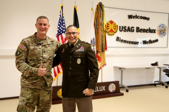Col. Yastrzemsky stands with guest speaker Maj. Patino during a lunch honoring Hispanic Heritage Month on Tuesday October 12, 2021 at Chièvres Air Base. (U.S. Army photo by Libby Weiler, USAG Benelux Public Affairs)