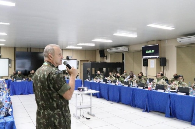 Gen. Achilles Furlan Neto, commander of the Brazilian Army Amazon Military Command, briefs the capabilities of his soldiers during the 2nd Multilateral Border Conference in Manaus, Amazonas state, Brazil, to a delegation of senior leaders from Army South, Colombia, Peru, Panama, and Ecuador.