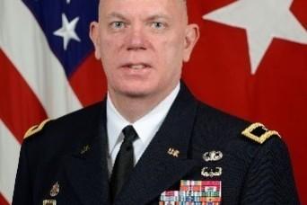 USASAC Commander participates in FMS seminar at AUSA